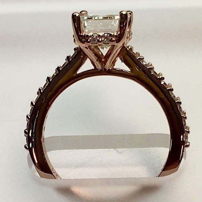 Elegant Radiant cut diamond 2