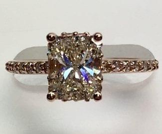 Elegant Radiant cut diamond